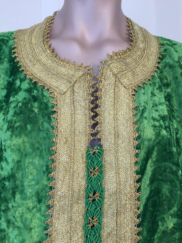 Moorish Moroccan Vintage Kaftan Jade Green Velvet and Gold Embroidered Caftan Circa 1970 For Sale