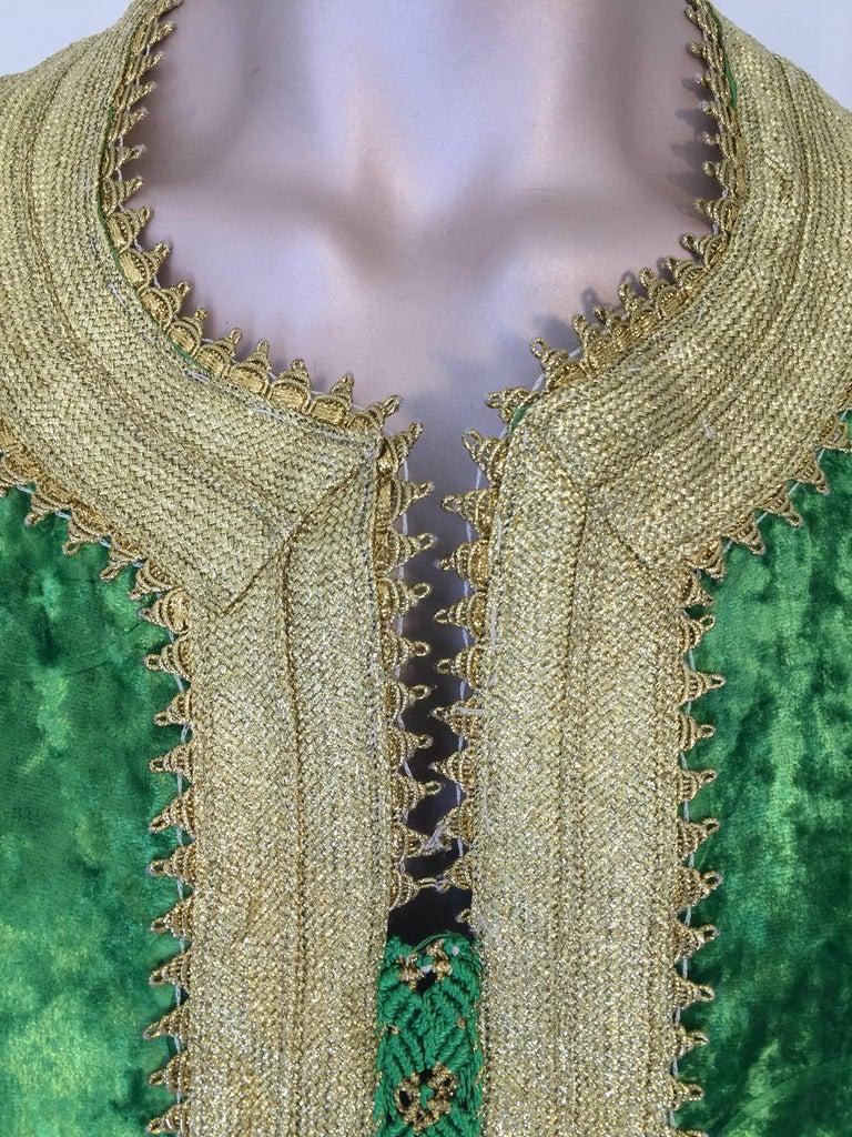 Moroccan Vintage Kaftan Jade Green Velvet and Gold Embroidered Caftan Circa 1970 For Sale 4