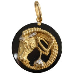 Moroni 18 Carat Gold, Onyx and Diamond Capricorn Zodiac Pendant