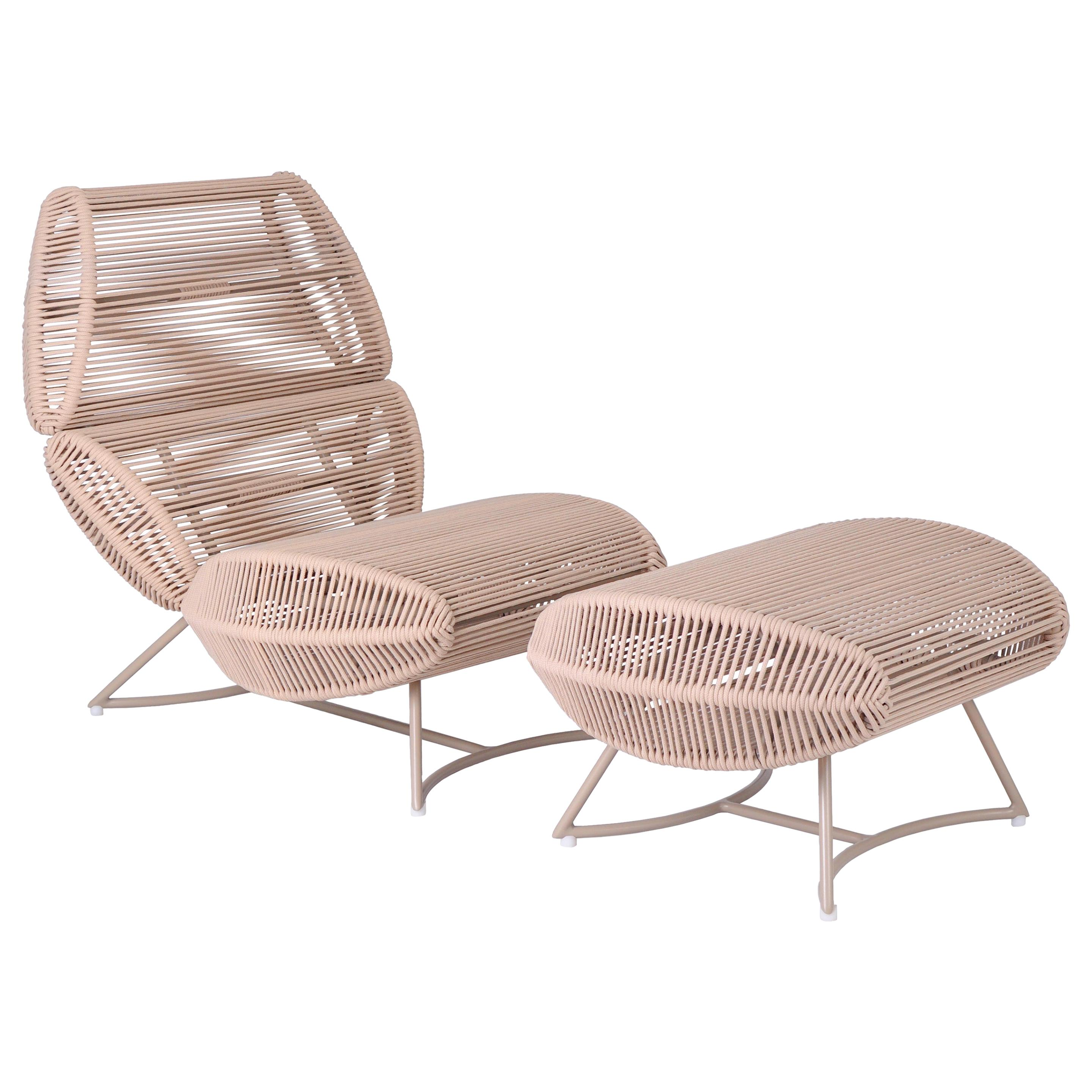 Morototó Armchair with Foot Support