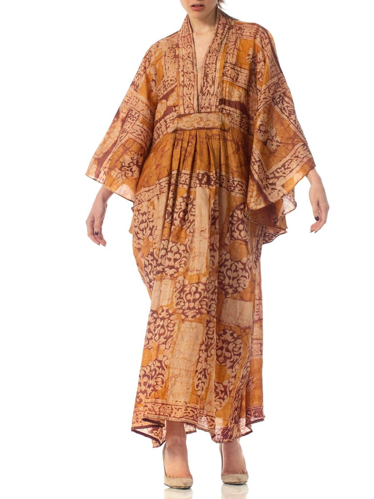 Morphew Collection Hand Printed Silk Batik Kaftan In Excellent Condition For Sale In New York, NY