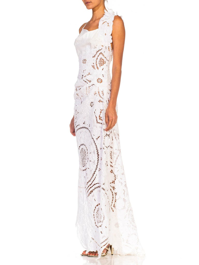 MORPHEW COLLECTION White Linen Entirely Hand Embroidered Cut-Out Lace Gown In New Condition For Sale In New York, NY
