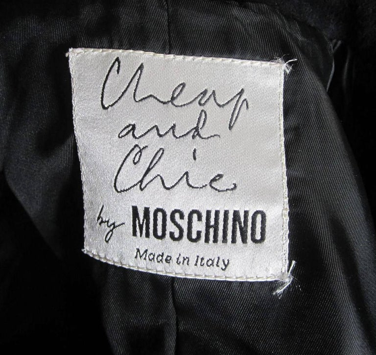 Women's Moschino Cheap & Chic Wool Coat Bows & Bows  For Sale