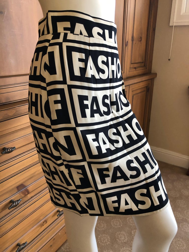 Moschino Couture Iconic 1990 Museum Exhibited Fashion Fashoff Mini Skirt  In Excellent Condition For Sale In San Francisco, CA
