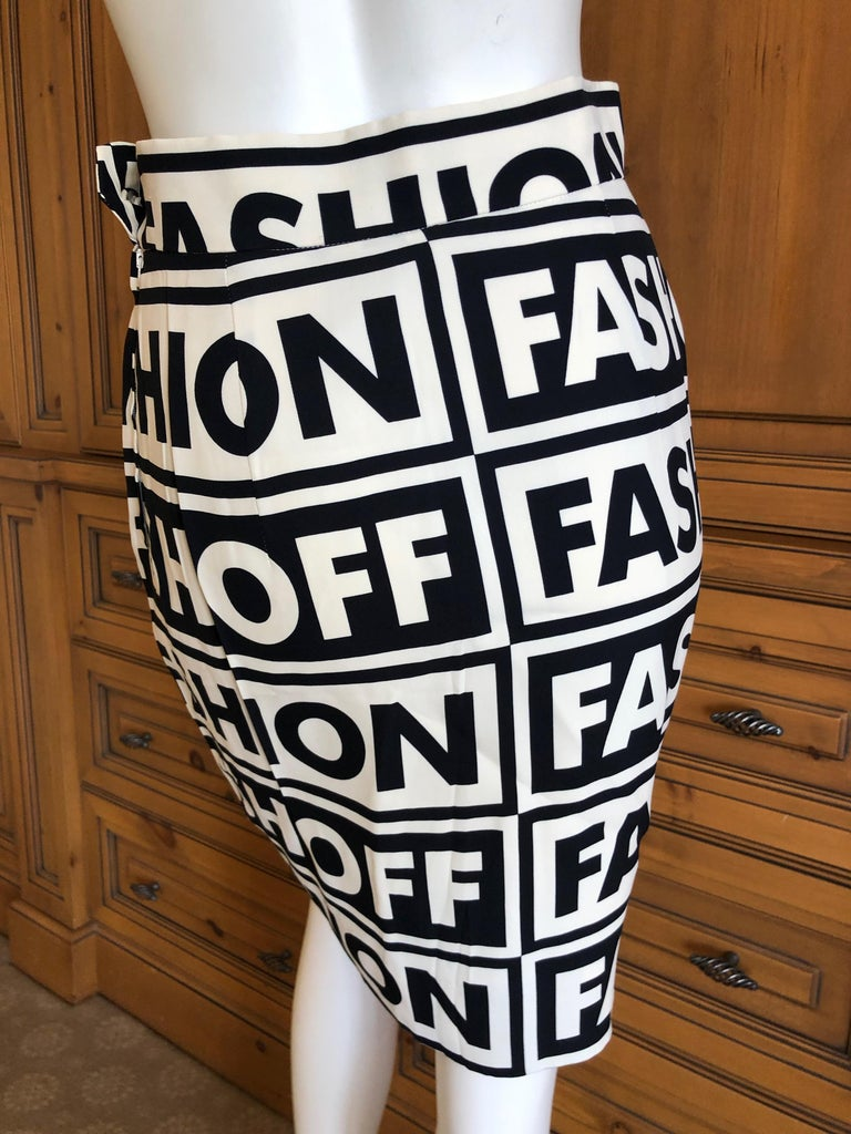 Moschino Couture Iconic 1990 Museum Exhibited Fashion Fashoff Mini Skirt  For Sale 1