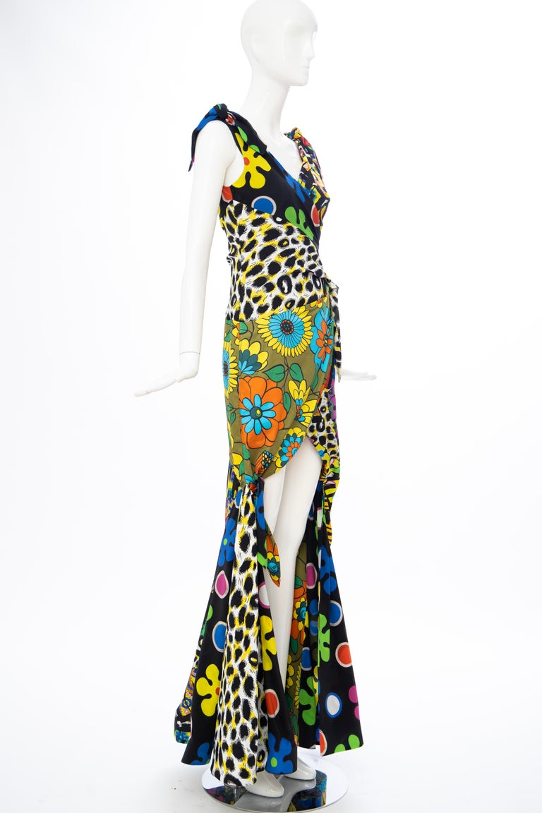 Women's Moschino Couture Runway Silk Multi Printed High-Low Evening Dress, Resort 2017 For Sale