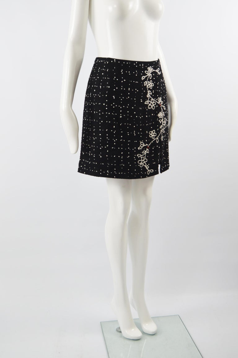 Moschino Vintage Black & White Cashmere Tweed Skirt For Sale 2