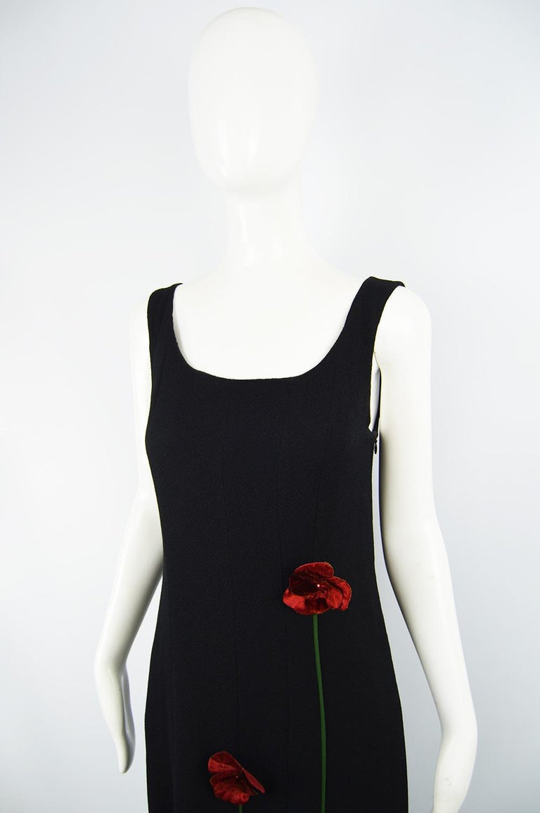 Moschino Vintage Tulip Applique Black Crepe Sleeveless Maxi Evening Dress, 1990s In Good Condition For Sale In Doncaster, South Yorkshire