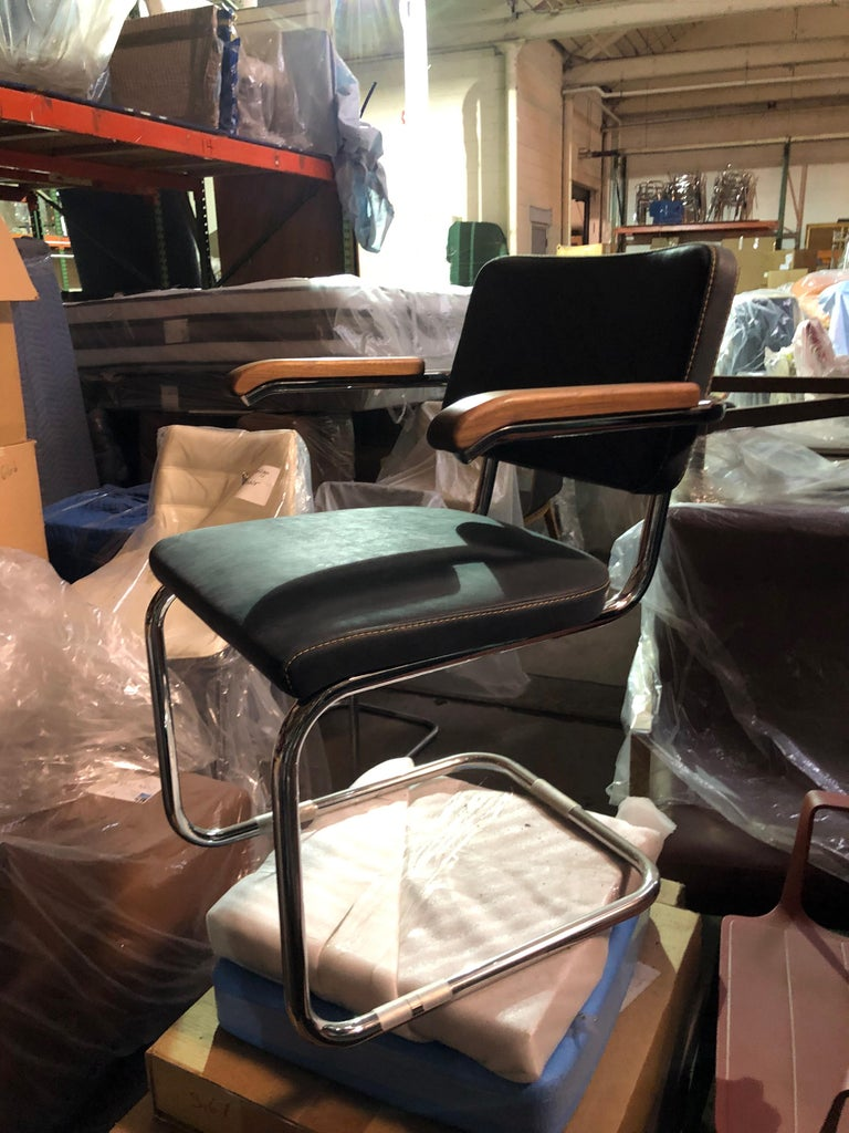 Mid-Century Modern Tubular Steel Classic Thonet Leather S64 Cantilever Armchair For Sale