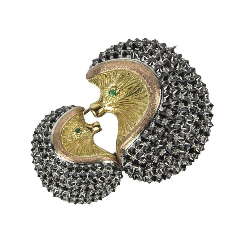 Mother and Baby Hedgehog Black Diamond Gold Statement Brooch Pin In New Condition For Sale In Montreal, QC