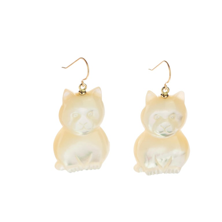 Mother of Pearl Cat Feline Bear 18 Karat Gold Handmade Animal Drop Chic Earrings In New Condition For Sale In Milano, IT