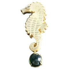 Mother of Pearl Star Emerald 18 Karat Gold Sea Horse Pin and Pendant