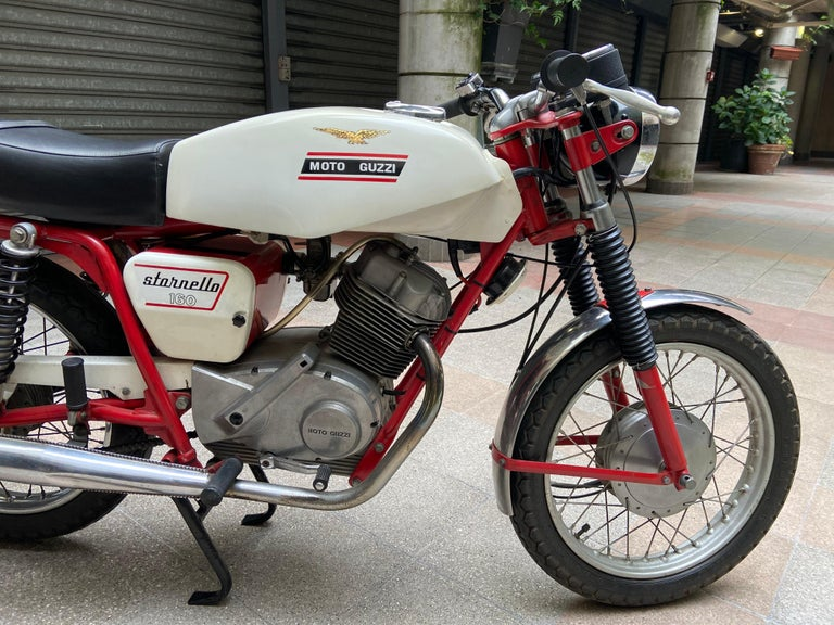Motorbike Guzzi, Stornello 160 blanc