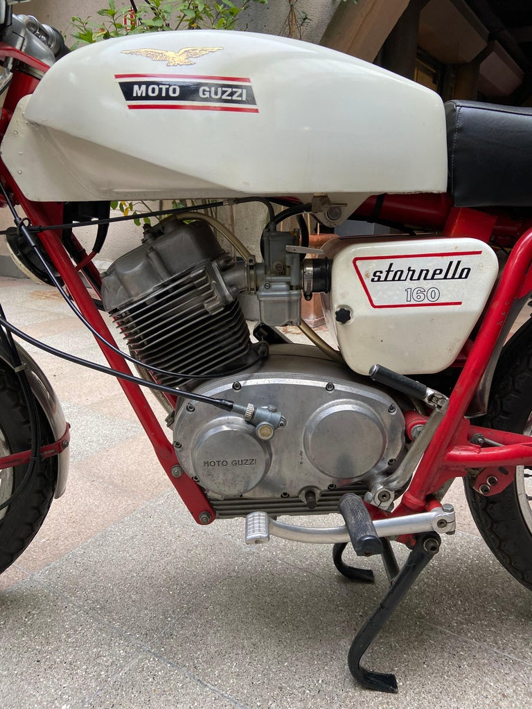 Italian Motorbike Guzzi, Stornello 160 White, 1971 For Sale
