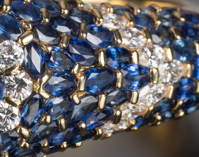 Moussaieff High Jewelry Blue Sapphire and Diamond Bracelet In Good Condition For Sale In 02114, MA