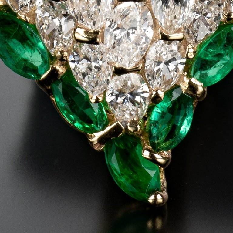 Moussaieff One-of-a-kind Diamond and Emerald Heart Earrings In Excellent Condition For Sale In Boston, MA