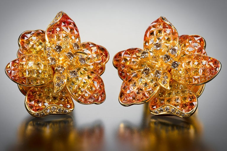 Moussaieff Yellow and Orange Sapphire Flower Ear Clips In Good Condition For Sale In 02114, MA