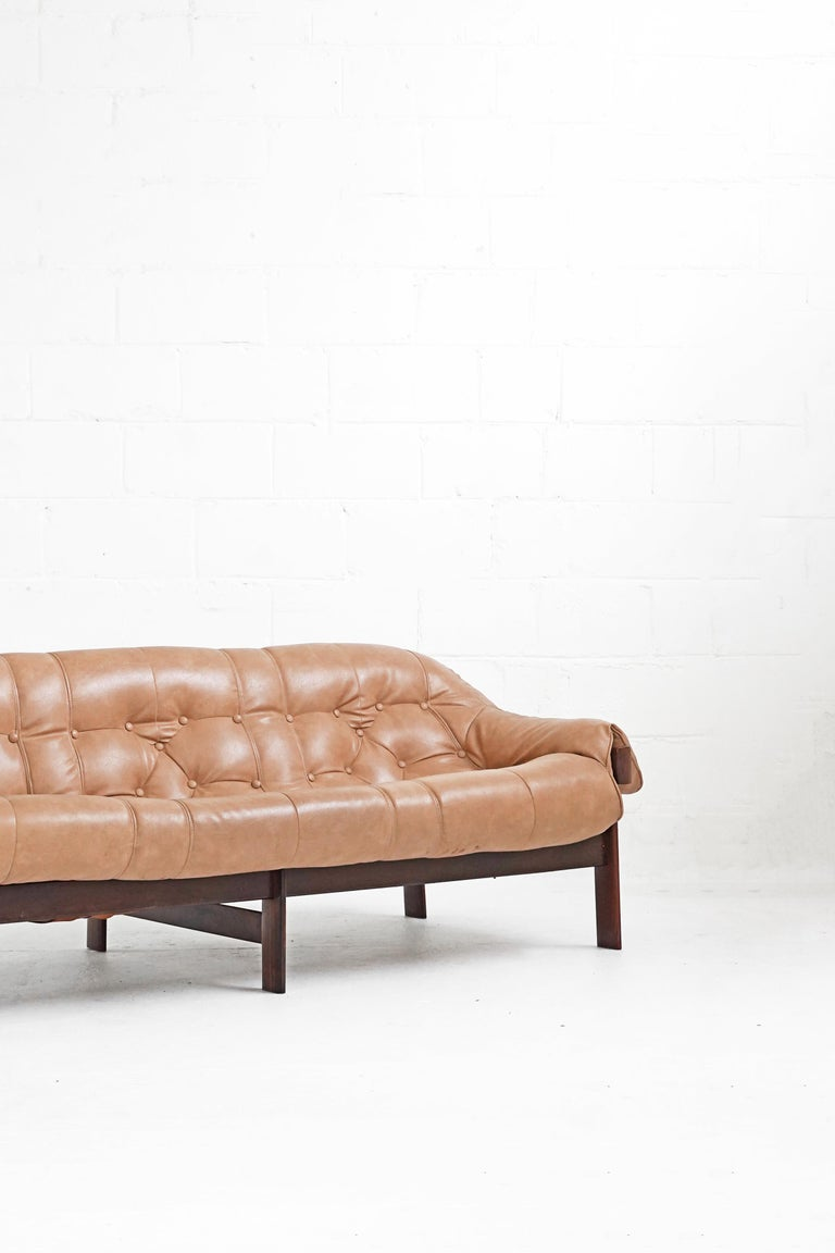 Mid-Century Modern MP-41 Sofa by Brazilian Designer Percival Lafer for Móveis Lafer For Sale
