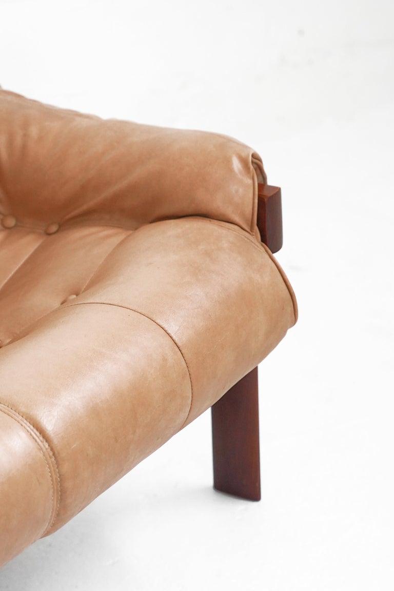 MP-41 Sofa by Brazilian Designer Percival Lafer for Móveis Lafer In Good Condition For Sale In TORONTO, CA