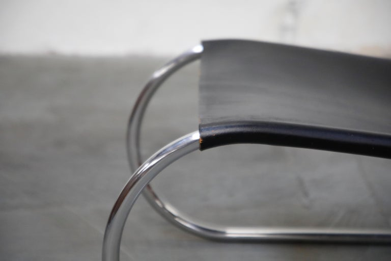 MR 30/5 Lounge Chairs by Mies van der Rohe for Knoll International, Signed Pair For Sale 10