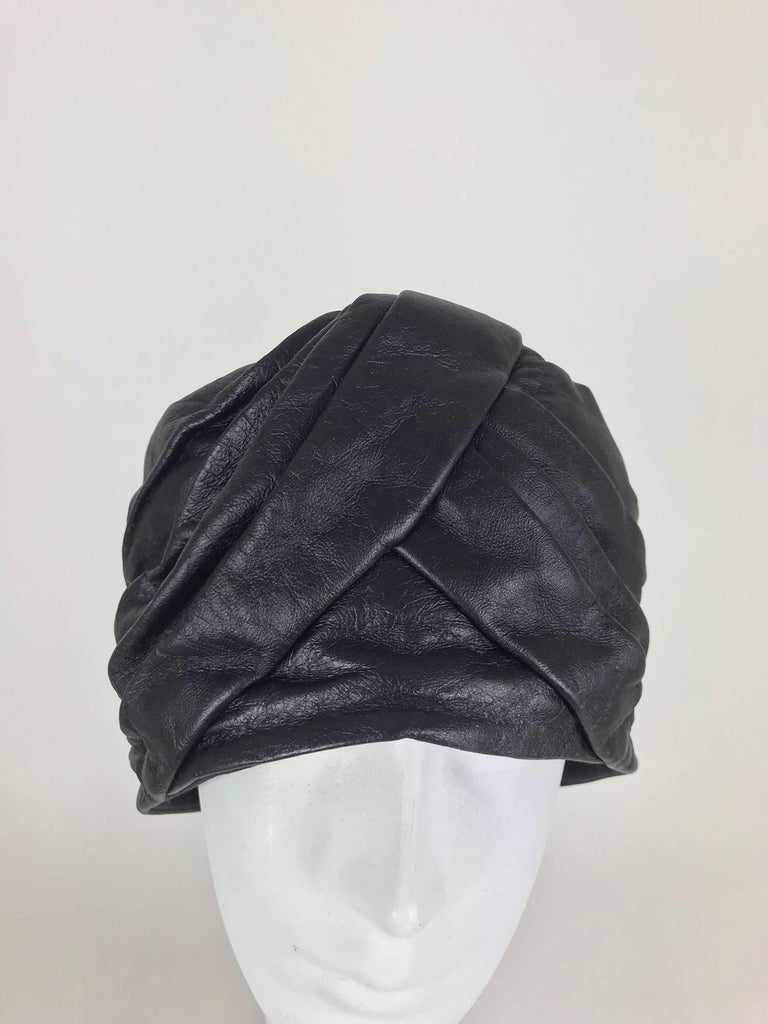 Mr John Jr black leather turban style hat, 1960s In Excellent Condition For Sale In West Palm Beach, FL