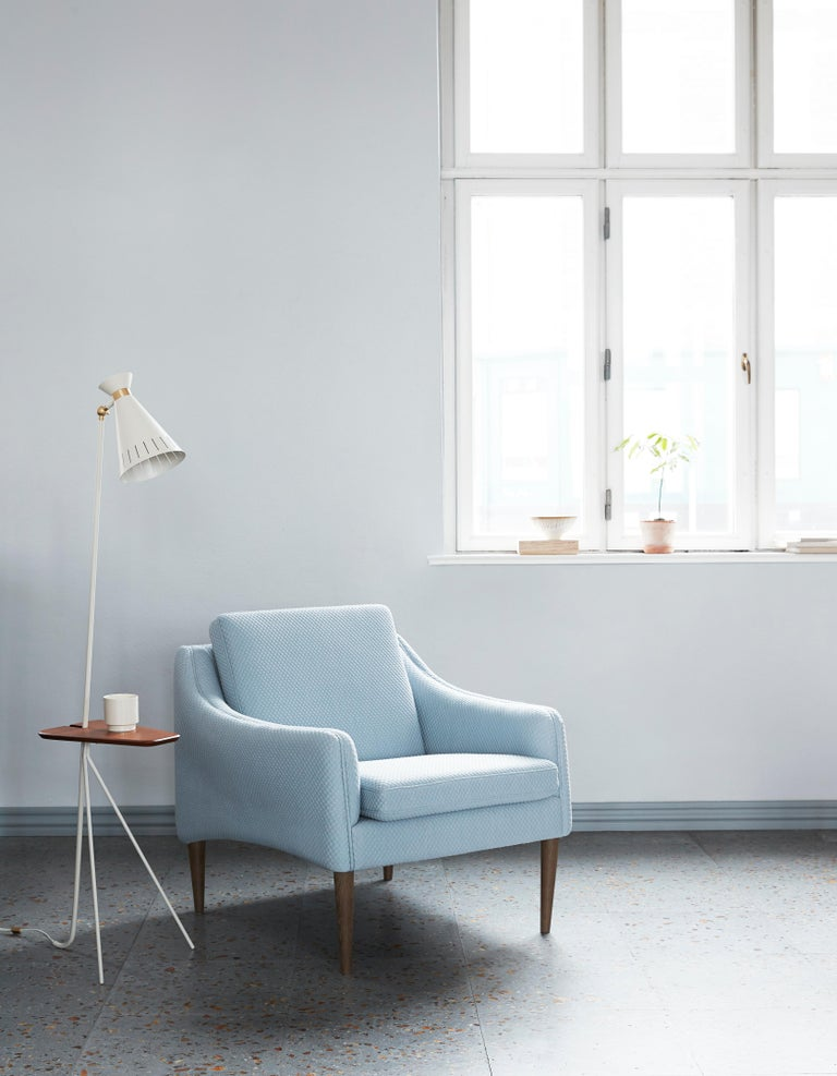 Mr. Olsen Lounge Chair with Walnut Legs, by Hans Olsen from Warm Nordic For Sale 3