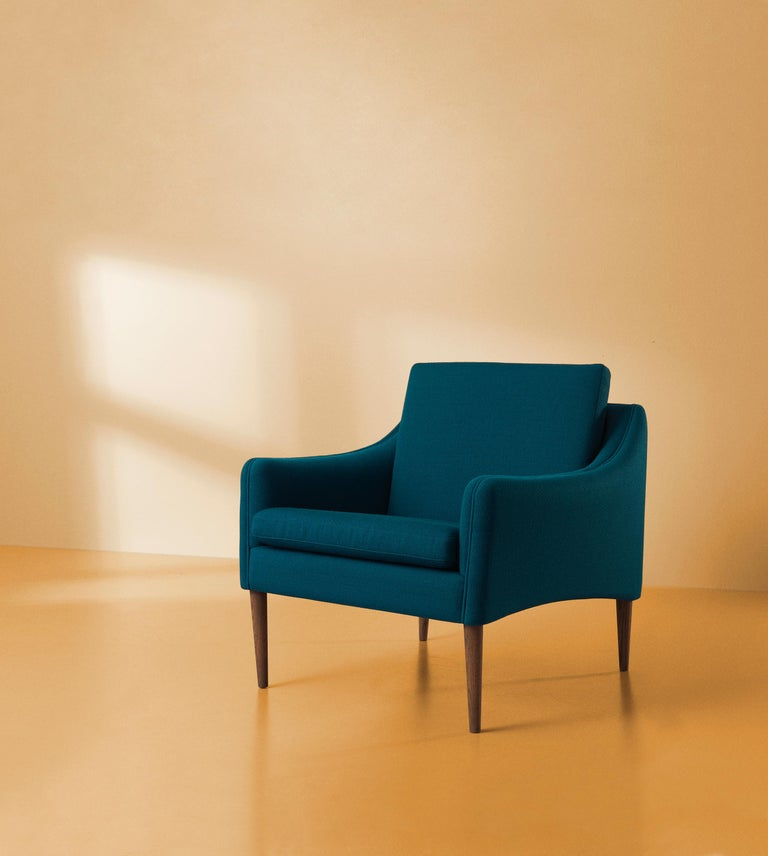 Mr. Olsen Lounge Chair with Walnut Legs, by Hans Olsen from Warm Nordic In New Condition For Sale In Viby J, DK