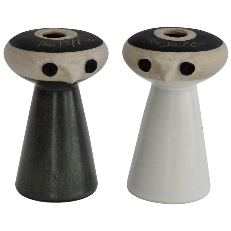 Mr Salt and Mrs Pepper Shakers by David Gil for Bennington Pottery Vermont For Sale