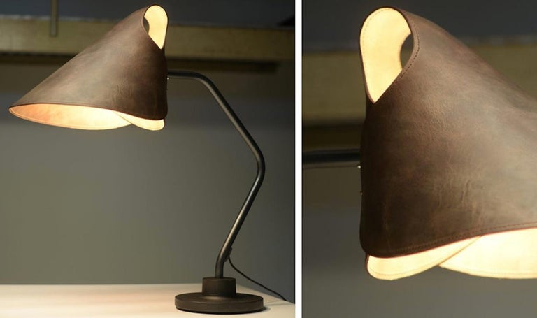 Modern Mrs.Q Table Lamp in Black Leather with Black Shade by Jacco Maris - 1stdibs NY For Sale