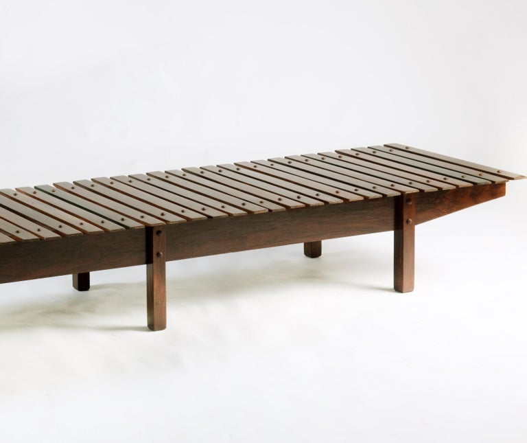 Woodwork Mid-century modern Mucki Bench by Brazilian designer Sergio Rodrigues For Sale