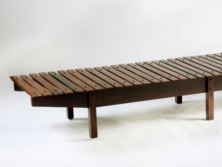 Mid-century modern Mucki Bench by Brazilian designer Sergio Rodrigues In Good Condition For Sale In Miami, FL
