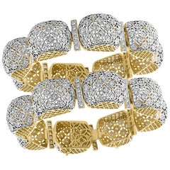 Mugul Style 18 Karat Yellow Gold and Diamonds Pair of Bangle / Bracelet