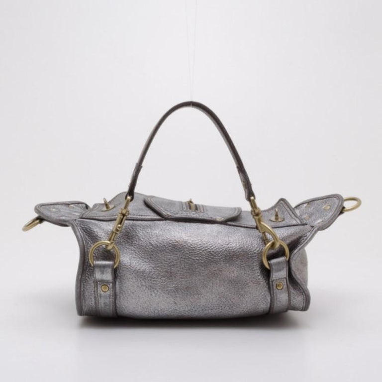 Get through your week in style with this convertible Emmy satchel by  Mulberry. Crafted from 7bc08afce3