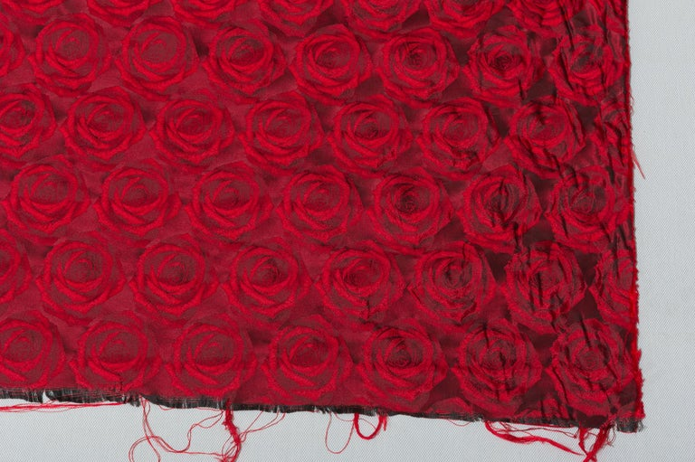 Machine-Made Mulberry Silk Red Roses Drapery Fabric For Sale