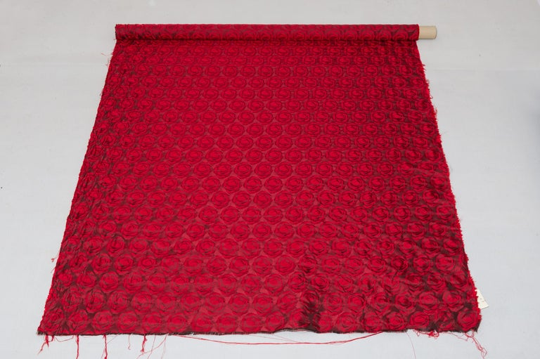Mulberry Silk Red Roses Drapery Fabric In Excellent Condition For Sale In Alessandria, Piemonte