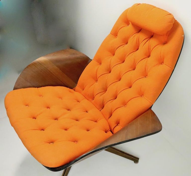 20th Century Mulhauser for Plycraft Mr. Chair and Ottoman For Sale