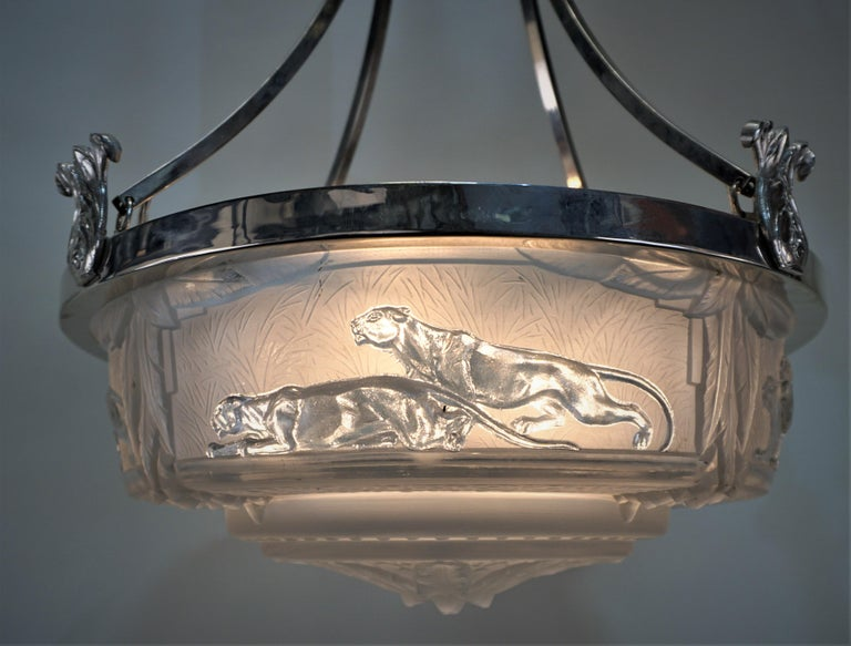 Muller Frères French Art Deco 1930s Chandelier, Panther In Good Condition For Sale In Fairfax, VA