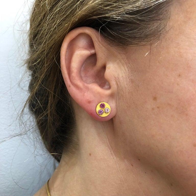 Multi-Color Tourmaline 22 Karat Gold Round Push Earrings In New Condition For Sale In Paris, Paris