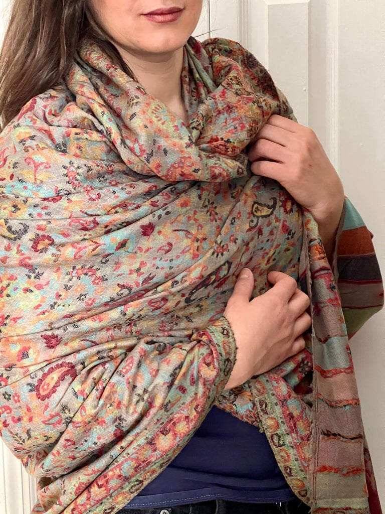 Multi Color Traditional Floral Kani Pashmina Shawl 83X42 Inches In New Condition For Sale In Scarsdale, NY