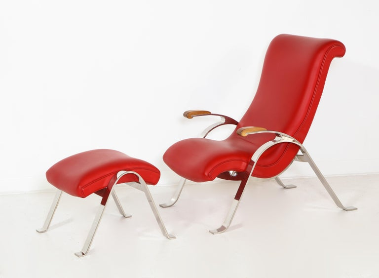 Multi-Position Reclining Chair in Red Offered by Vladimir Kagan Design Group In Good Condition For Sale In Clifton, NJ