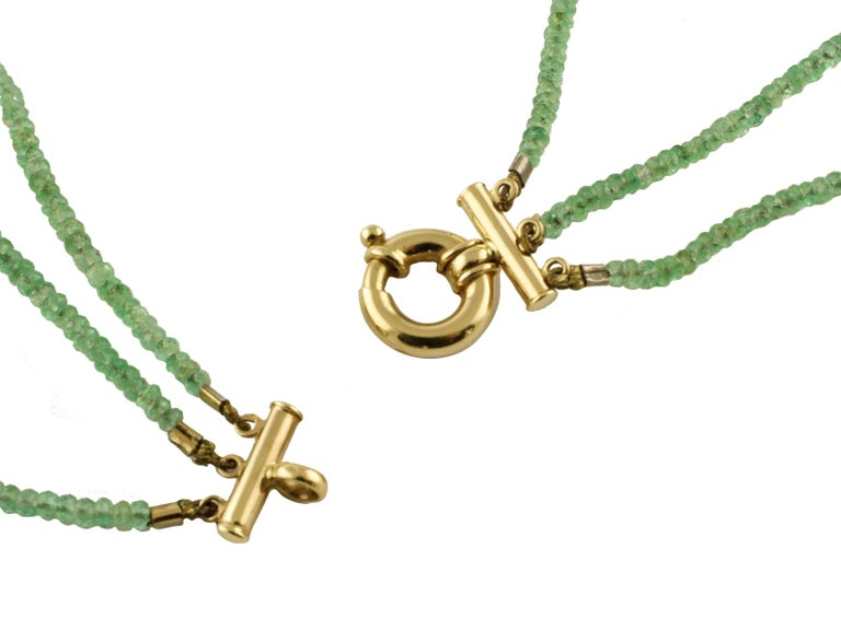 Multi Strands High Quality  Emeralds Choker Gold Necklace In Good Condition For Sale In Marcianise, Caserta