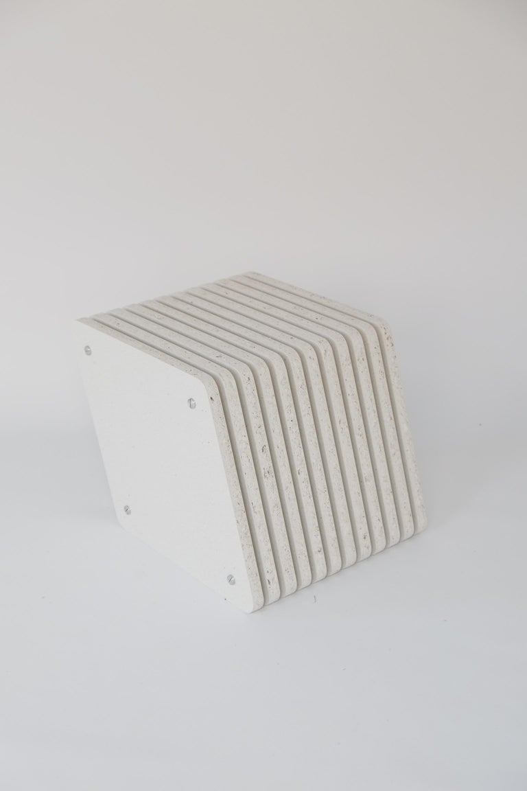 Sustainable White Side End Table made in Aluminium & Recycled Plastic - Jää Cube For Sale 1