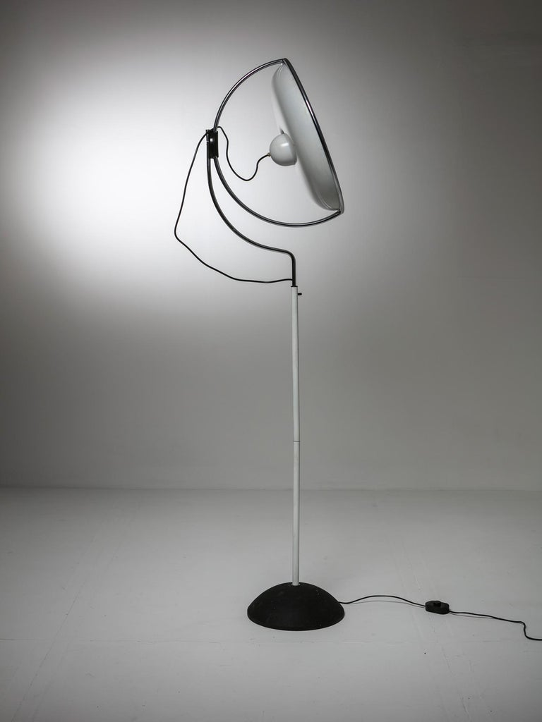 Multipla floor lamp by De Pas, Lomazzi, D'Urbino for Stilnovo. Revolving shade can also be adjusted along its vertical axe.
