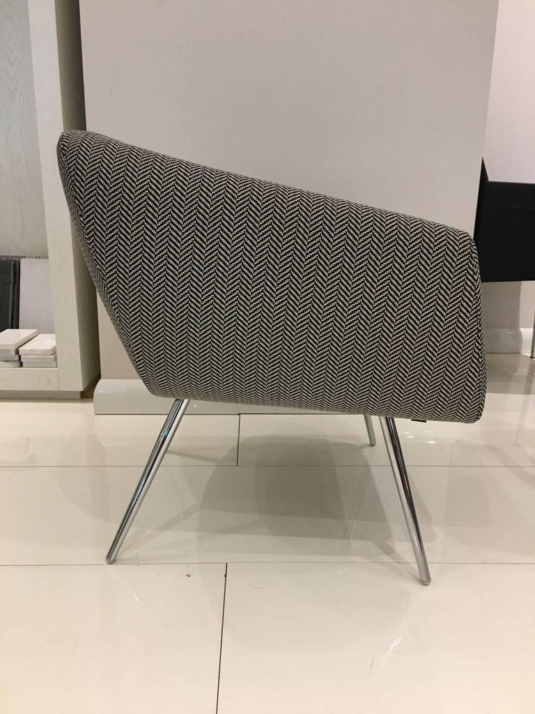 Modern Mundo Black and White Herringbone Fabric Armchair Polished Chrome Legs by Leolux For Sale