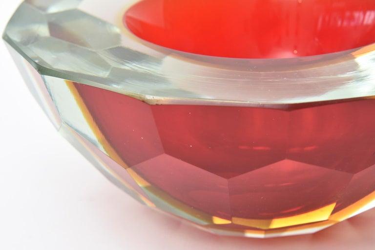 Murano Alessandro Mandruzzato Faceted Geode Red Glass Bowl or Caviar Bowl In Good Condition For Sale In North Miami, FL