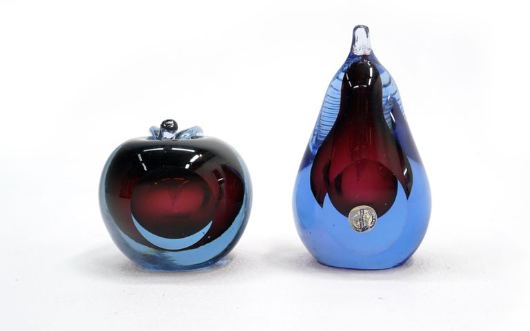 Murano Art Glass Apple and Pear, Hand Blown, Blue, Purple, Excellent Condition In Excellent Condition For Sale In Kansas City, MO