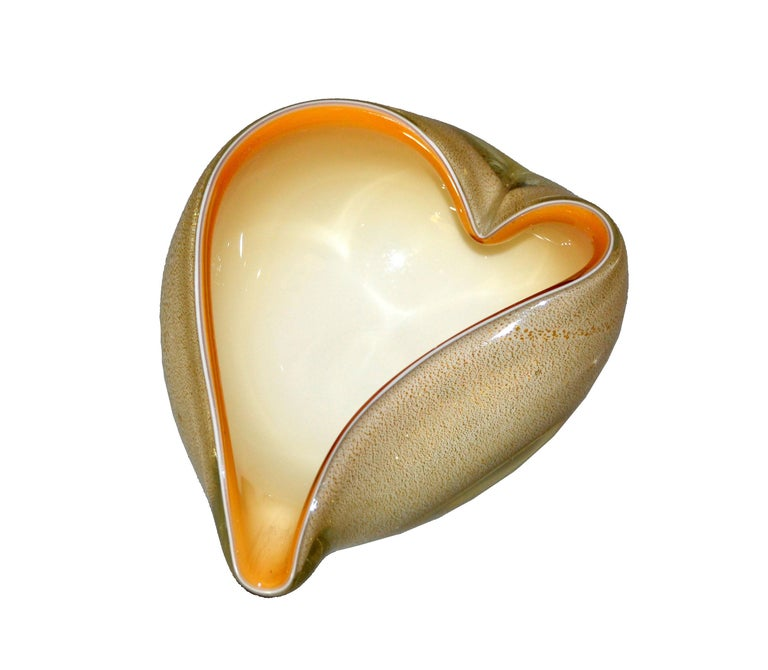 Hand blown heart shaped beige & caramel colored Murano art glass ashtray, decorative catchall or bowl made in Italy and inspired by Alfredo Barbini.