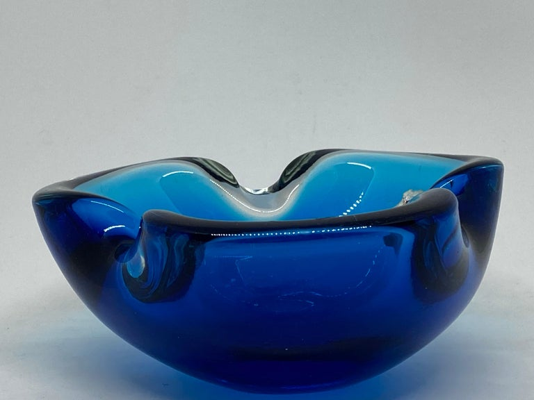 Murano Art Glass Bowl Catchall Blue and Clear Vintage, Italy, 1970s In Good Condition For Sale In Nürnberg, DE