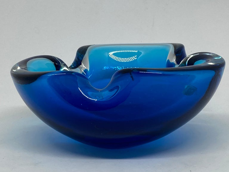 Late 20th Century Murano Art Glass Bowl Catchall Blue and Clear Vintage, Italy, 1970s For Sale