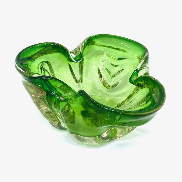 Mid-Century Modern Murano Art Glass Bowl Catchall green and clear, Vintage, Italy, 1970s For Sale